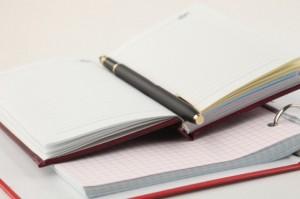 開いたノートの画像