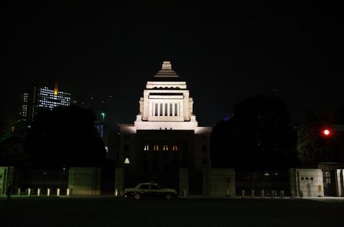 夜の国会議事堂